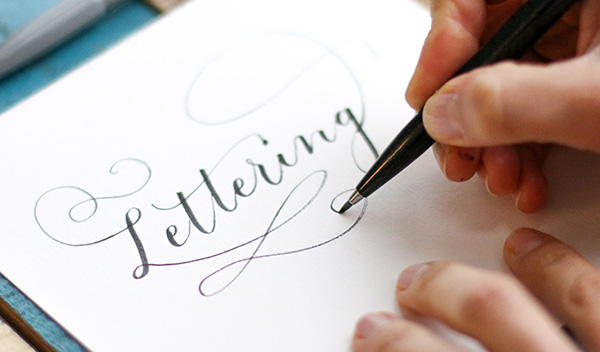 Lettering el arte de dibujar letras que está de moda